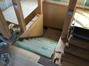 ついに階段施工、しかし!