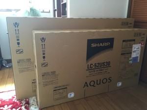 4Kの大形液晶テレビ(LC52/60-US30)が届く!