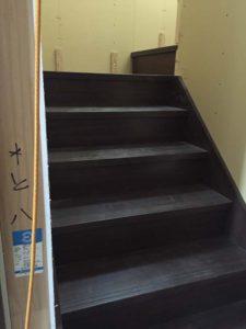 階段の取り付け完了!