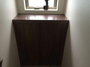 トイレの造作家具の組み付け