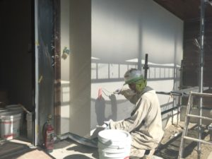 外壁の汚れ防止を施行