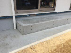 植栽スペースのブロックをモルタル仕上げ