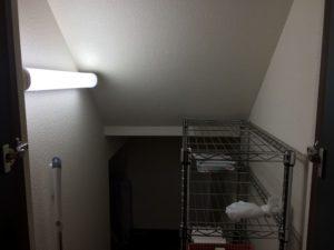 収納に工夫をした階段下収納
