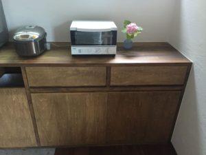 キッチン造作家具の引き出しにトレー