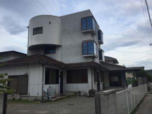 ユニークで目立つ家