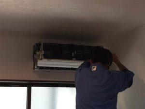 リビングのエアコンの温度センサー交換