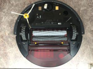 お掃除ロボット「ルンバ(960)」をお掃除