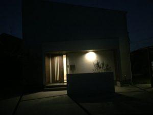 夜の我が家を撮影