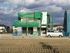 新築ラッシュの家が完成間近