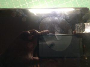 「Fire HD 10」にダイソーの「液晶フリーカット保護フィルム」を貼る