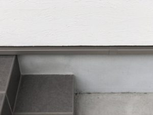 シロアリ予防の水切りの換気スリットのチェック