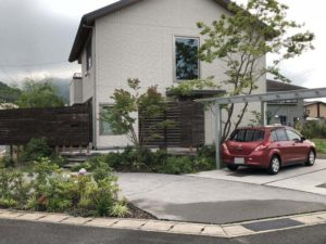 「植栽が素敵なお家」にカーポート設置