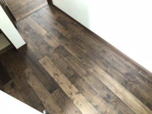 やはり無垢の床は良い!