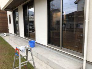 窓や網戸の掃除をしました