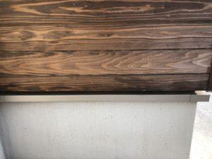 板張りの外壁の塗装