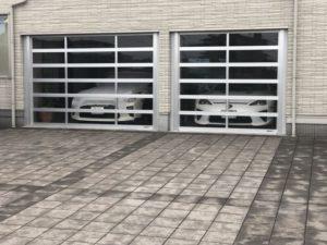 こんどはR32のGT-Rが駐車されている!