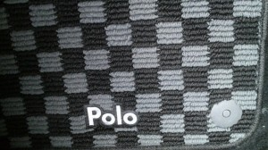 Poloのフロアマット