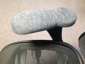 アームレストカバーにワークマンの靴下