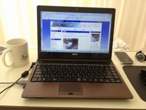持ち込んだノートパソコンとWiFiルーター
